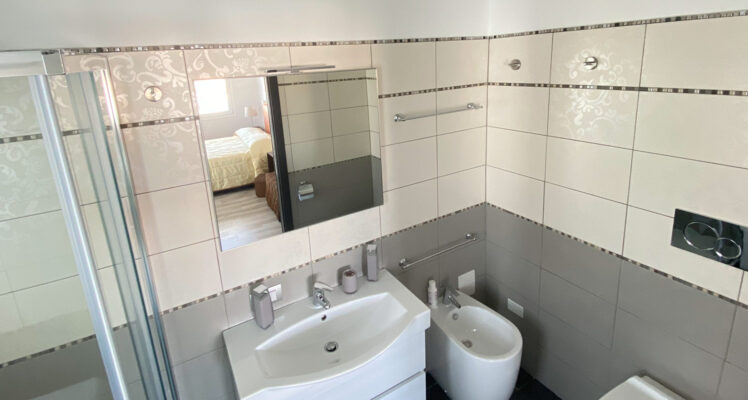 Bathroom Klimt B&B Luce Cagliari